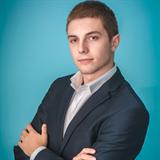 Цветан Вакарелийски, Брокер