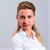 Надя Стамова, Брокер