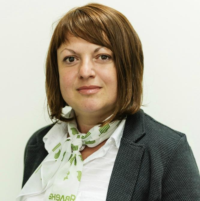 Йолина Георгиева, брокер